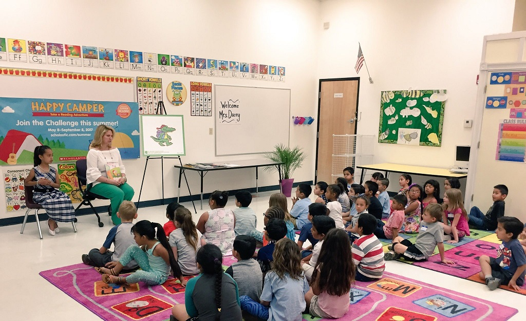 Arizona State Representatives >> Summer Reading Tour - First Lady Angela Ducey Visits All ...
